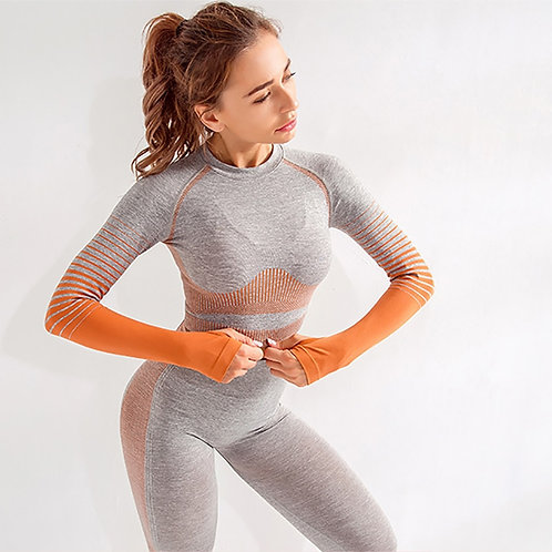 Seamless Long sleeved (with thumb holes)