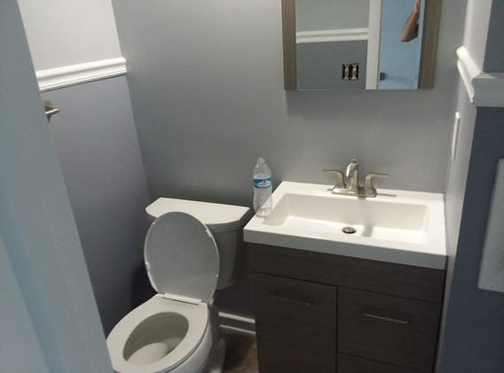 interior bathroom upper arlington