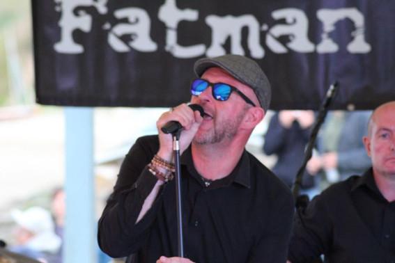 Lead singer Richard Beeken with half an appearance from the BassMan!