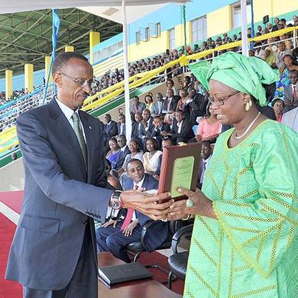 13. Paul Kagame Yacine Diagne Rwanda 2010.jpg