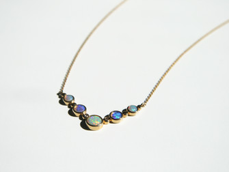 Opal Necklace in 18k Yellow Gold
