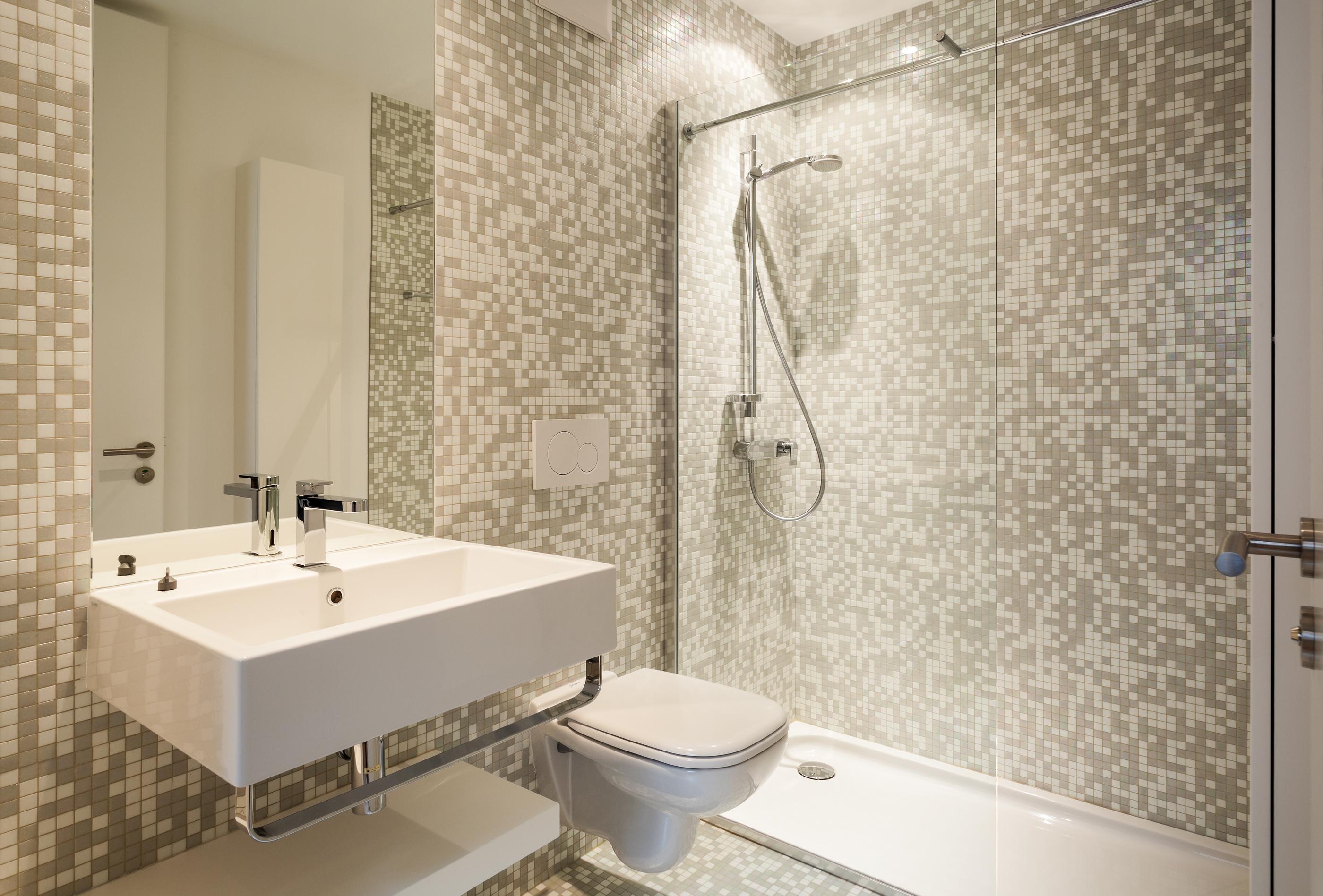 Modern Master Bathroom Mosaic