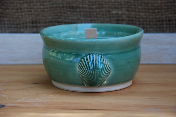 Medium Green Shell Citronella Candle