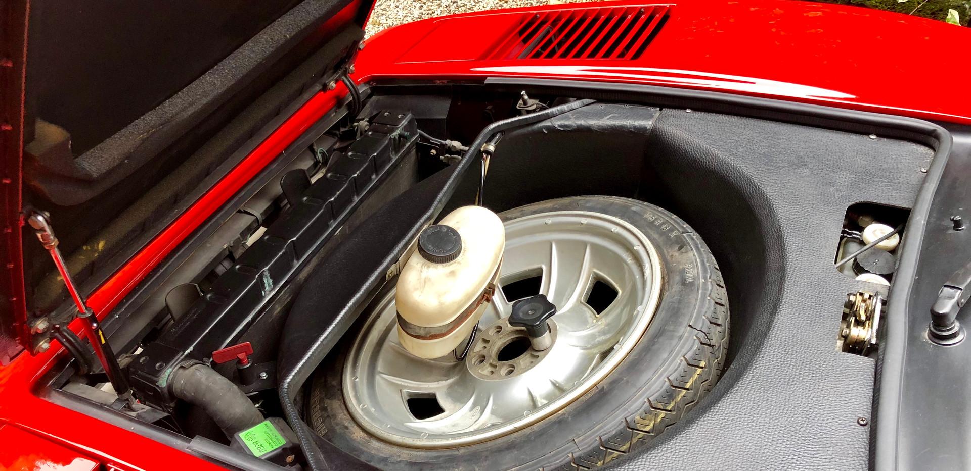 Ferrari 208 GTB (10).JPG