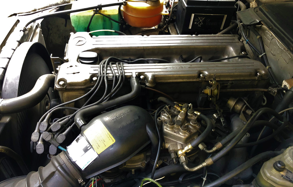 MB 280 SL R107 (7).JPG