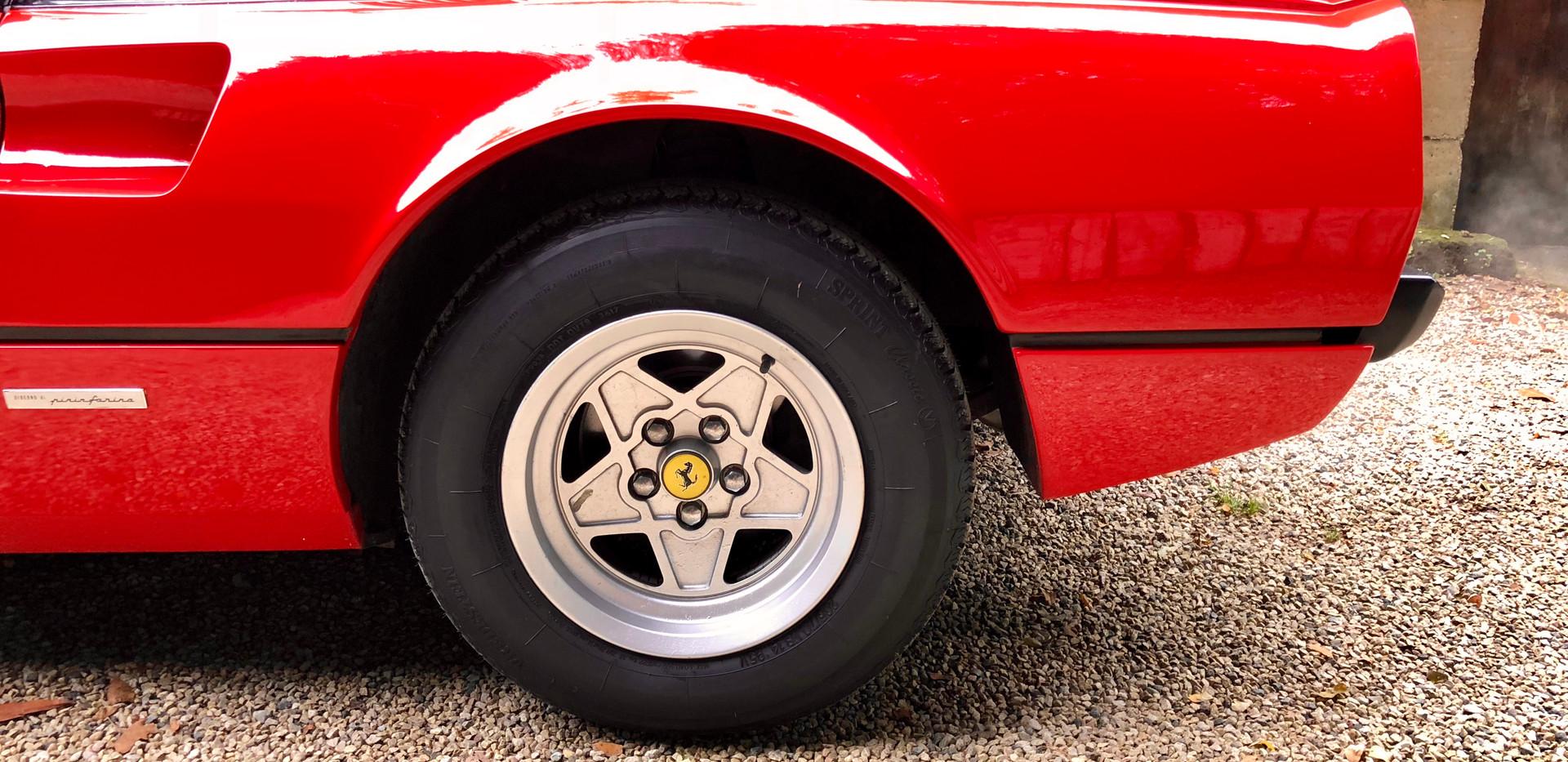 Ferrari 208 GTB (7).JPG