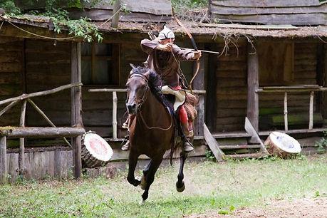 Bogenschießem_zu_Pferd.jpg