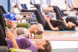 Yoga sur chaise 5.jpeg