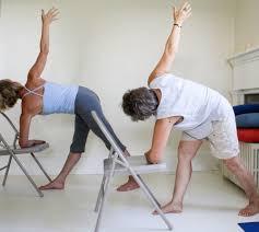 Yoga sur chaise 2.jpeg