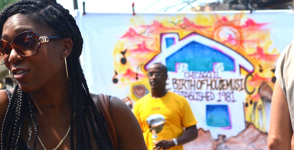 Silver Room Block Party, Chicago, 2014. Photog: M. Billye Sankofa Waters. DO NOT COPY WITHOUT BOTH PERMISSION AND CREDIT. info@blackgirlgold.org