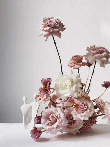 pink-white-rose-arrangement.jpg