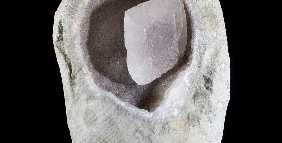 Calcite formed in a naturally occurring internal space in bedrock millions of years ago. Studio Mineralia Fine Minerals