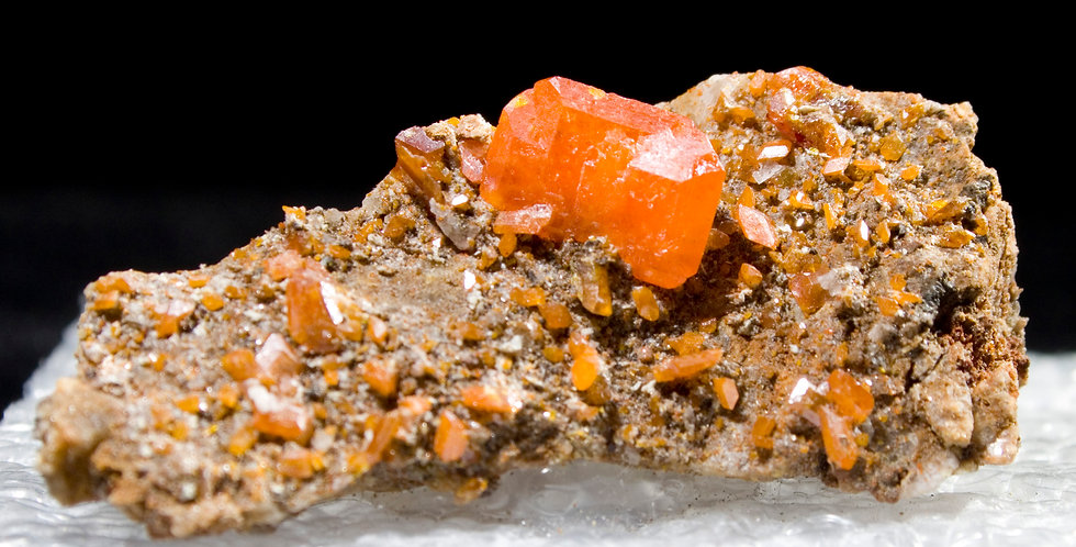 Perfectly positioned Wulfenite crystals, highlighting their translucency. a spectacular matrix thumbnail from the legendary R
