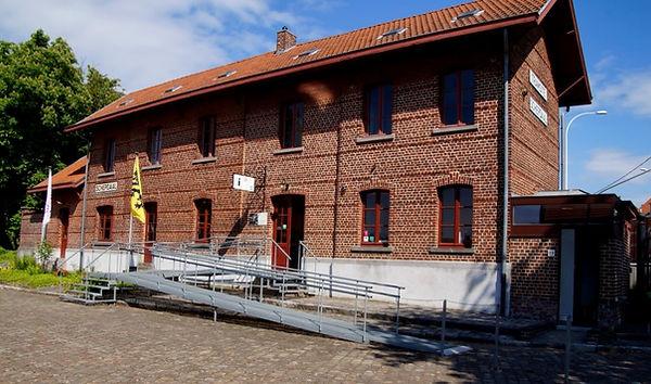 Gare Schepdaal à Dilbeek - L'Association culturelle de Dilbeek (ACD) a pour objet d'organiser, d'encourager et de promouvoir toute activité culturelle en langue française, auprès des habitants francophones de la commune de Dilbeek et plus largement à l'intention de tous les francophones d'autres communes de la périphérie bruxelloise.