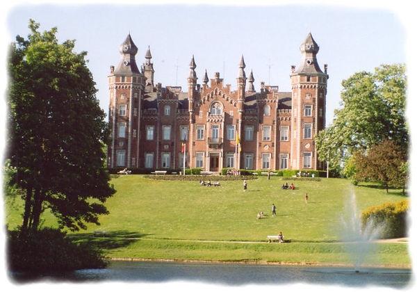 Château de Viron - L'Association culturelle de Dilbeek (ACD) a pour objet d'organiser, d'encourager et de promouvoir toute activité culturelle en langue française, auprès des habitants francophones de la commune de Dilbeek et plus largement à l'intention de tous les francophones d'autres communes de la périphérie bruxelloise