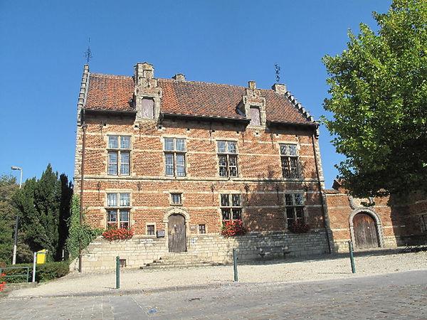 het Pampoelhuis - L'Association culturelle de Dilbeek (ACD) a pour objet d'organiser, d'encourager et de promouvoir toute activité culturelle en langue française, auprès des habitants francophones de la commune de Dilbeek et plus largement à l'intention de tous les francophones d'autres communes de la périphérie bruxelloise.