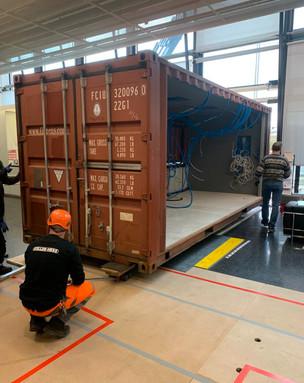 Container_Endplazierung_Einfahrt_Gebäud