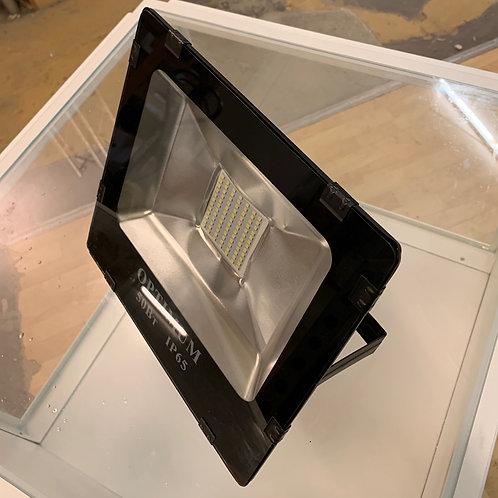 (Miete) Strahler LED 50W  3000K Warmweiss