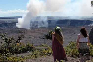 ハワイでフラ カヒコを学ぶ 女神ペレへフラ奉納