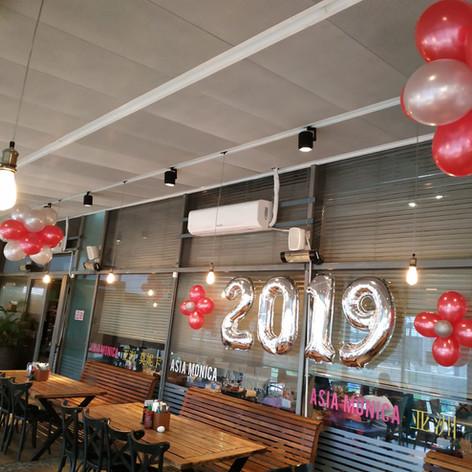 עיצוב מסעדה מבלונים לסילבסטר