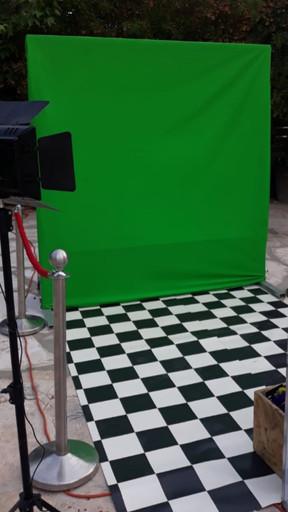 עמדת צילום לאירועים וקיר ירוק