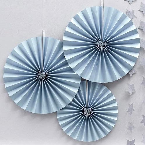 Papierfächer in hellblau