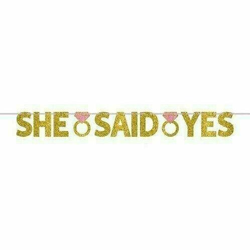 "Glitzergirlande ""She said yes"""