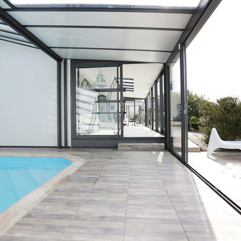Salon, piscine, terrasses