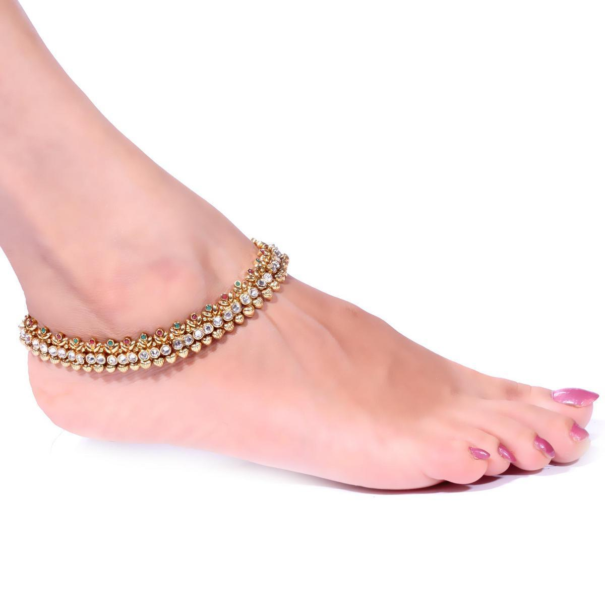 ANKLETS THE QUEEN