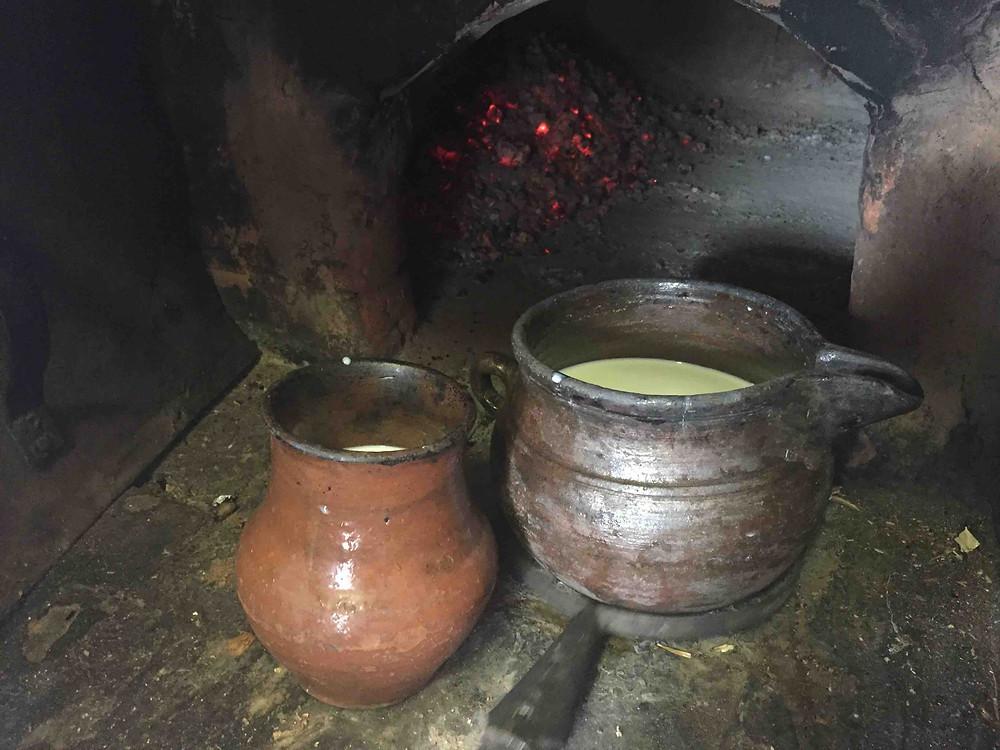 Иван-чай с молоком в русской печи