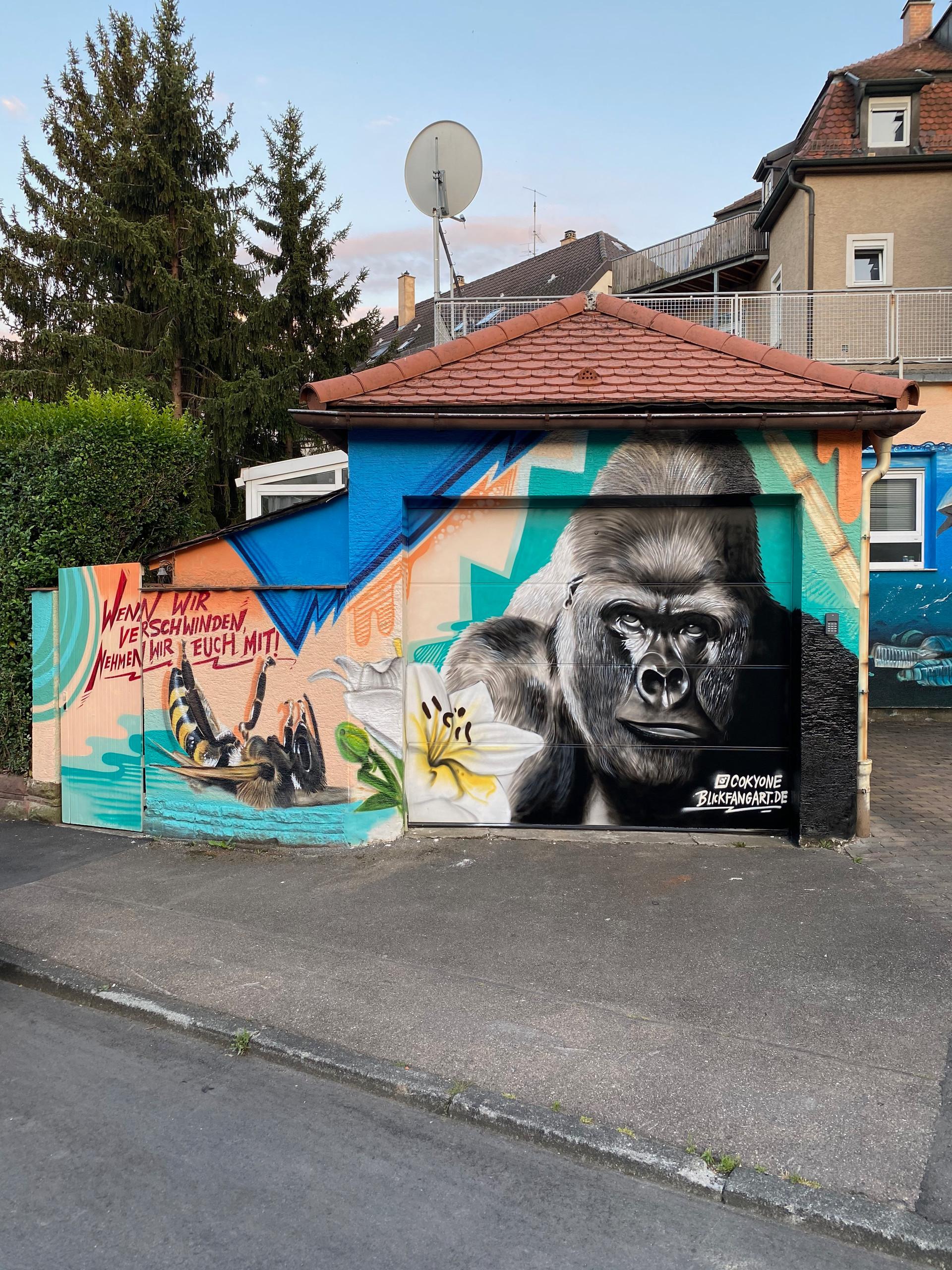 Biene und Gorilla Graffiti