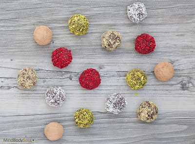 Bliss Balls (with 3 ingredients only)