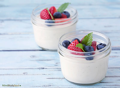 Raw Cashew Pudding with Berries