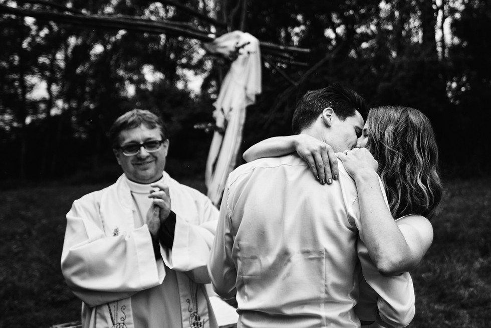 První polibek před oltářem