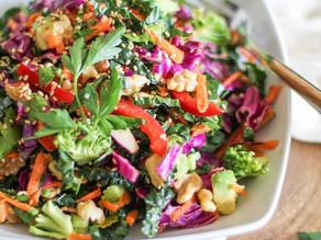 Simple detox salad with lemon dressing