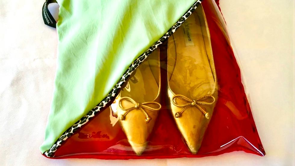 Yougoshoego®️ shoe storage pouch with a diagonal window