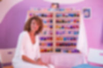 Laura Sisti Arezzo contatti Aura-Soma i colori sono lo specchio di chi siamo Natura naturale Equilibrium terapia del colore modo olistico Scoprire se stessi talenti emozioni sfide vita benessere equilibrio colori consapevolezza messaggi dei colori migliorare vita cristalli erbe luce energia vitalità amore per se stessi autoguarigione