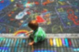 bambini scuola elementari asilo materna lavoretti creativi Creatività colori espressione intuito libertà amore verso sè emozioni conoscere se stessi messaggi dei colori armonia gioia respiro movimento disegno intuitivo scrittura libera