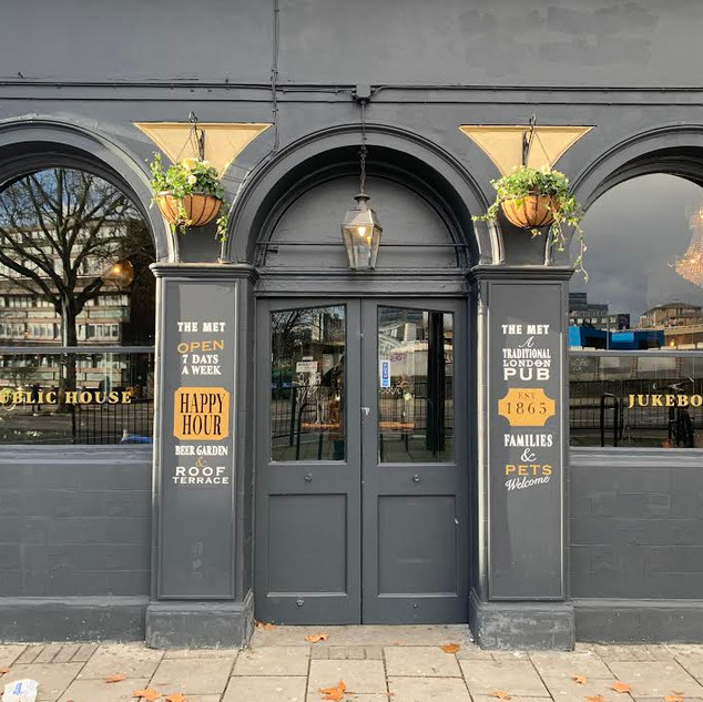 The Met Pub Sign Painted