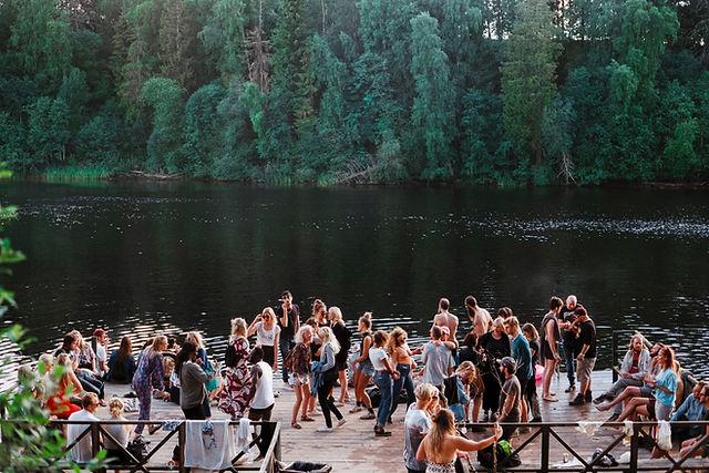 Fiesta en el lago