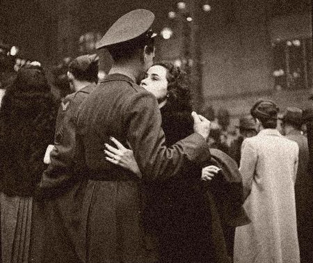 Top 5 poem for people who love dark academia (France 1940-45; world war II)