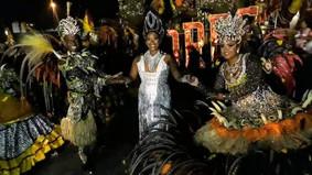 Imperadores exalta sua história com desfile coeso