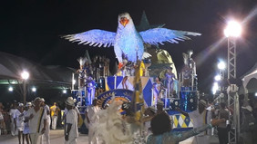 Desfile forte marca apresentação da Vila Isabel