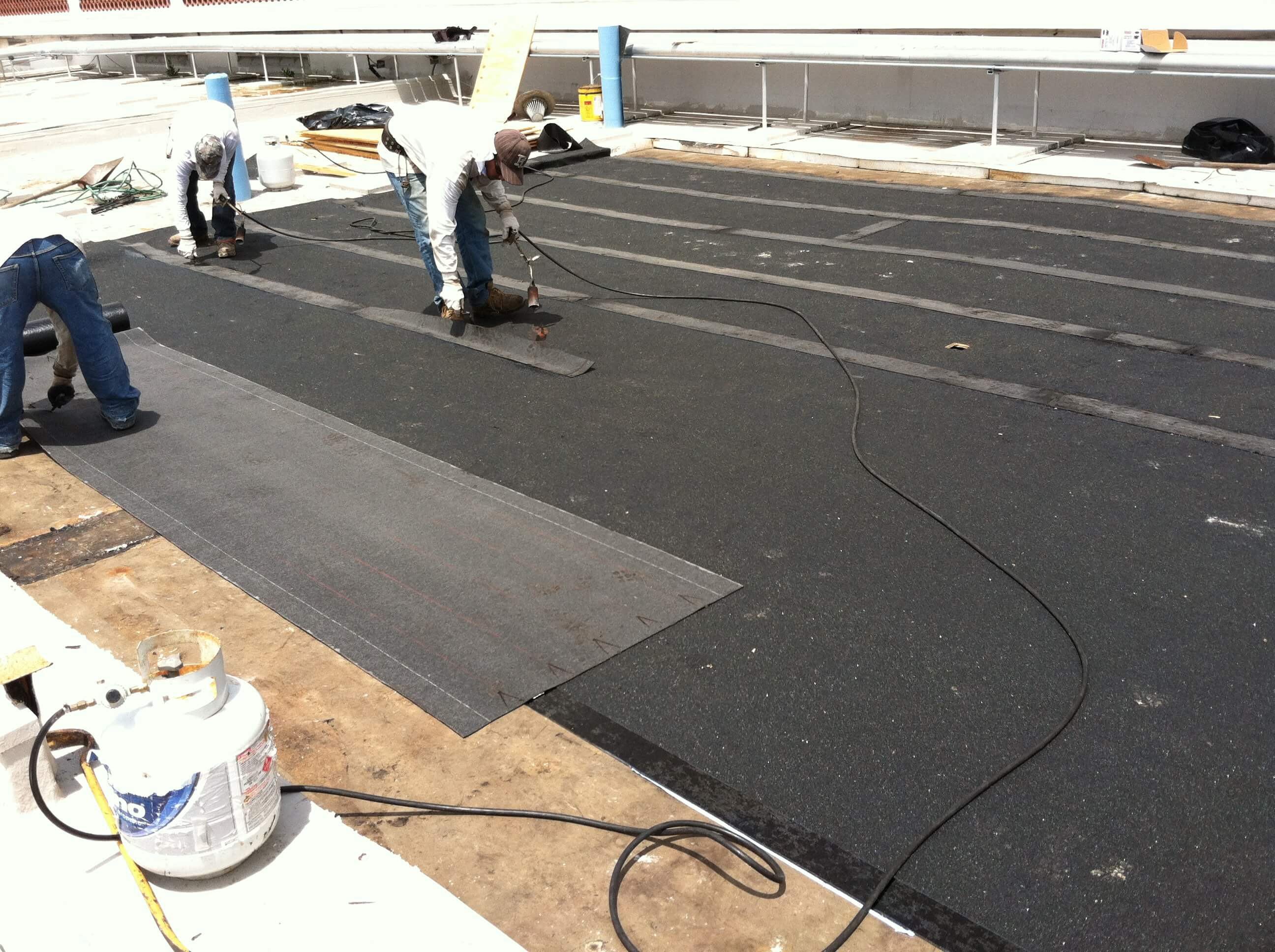 Tacking down the roof's underlayment