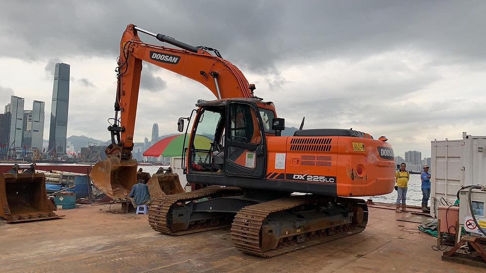 2018 Doosan DX225LC Excavator