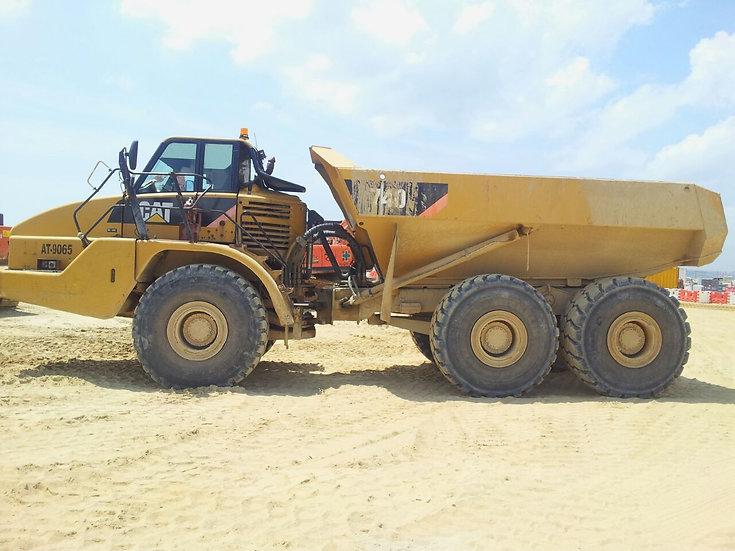 2009 CAT 740 Dump Truck