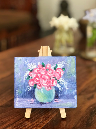 Mini canvas with attached easel - 8 cm x 10 cm  Make your space cute with these mini art