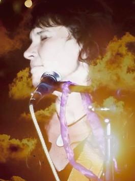 Julia Francis explores themes of desire, mental health, and addiction in new single, Cinderella.