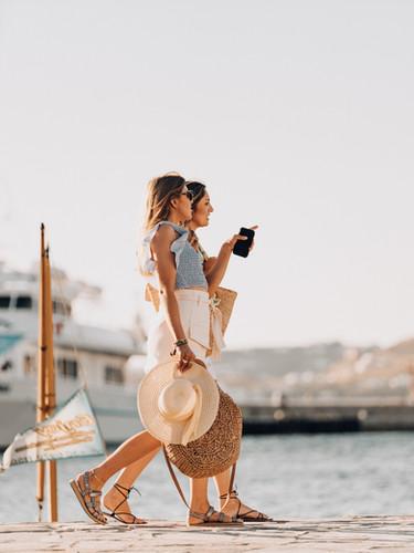 MDRN LOVE-OTTERBOX-201922.jpg