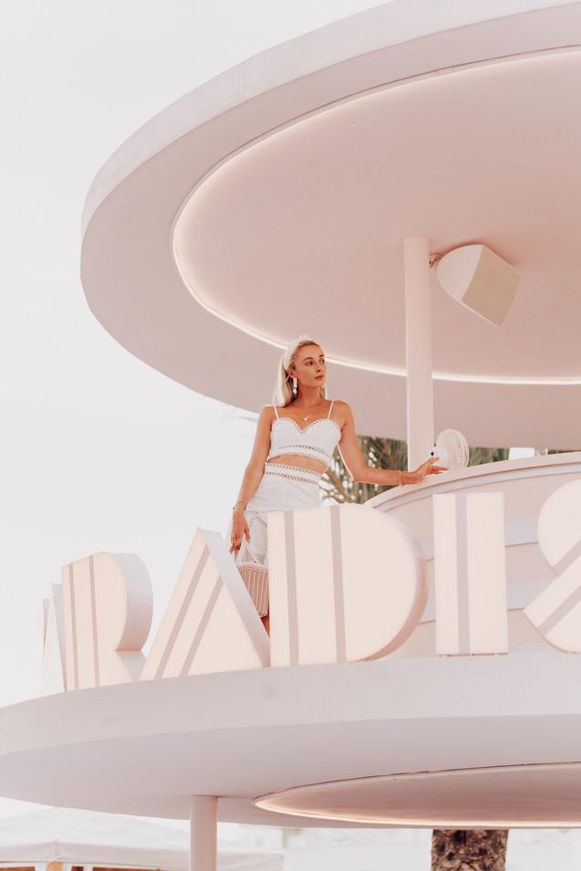 MDRN LOVE - Web Res -Josie Ibiza DSC0304